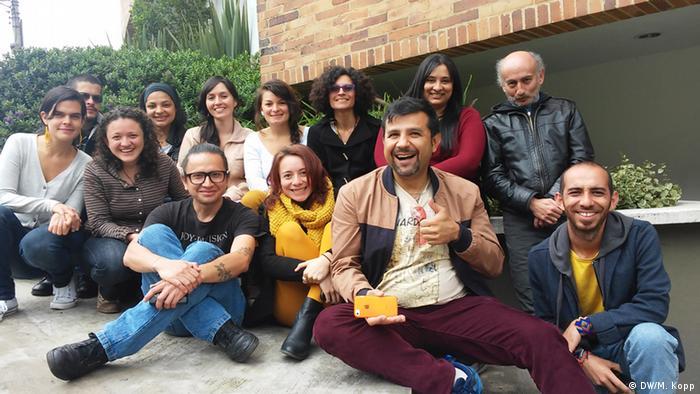 Die Teilnehmer und Teilnehmerinnen des Workshops in Bogotá. (Foto: Matthias Kopp/ DW Akademie).