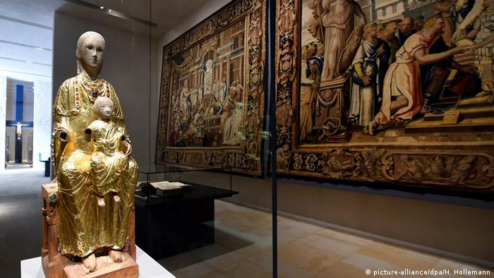 statue of the Madonna as a part of the new Cathedral Museum in Hildesheim. Copyright: Holger Hollemann/dpa