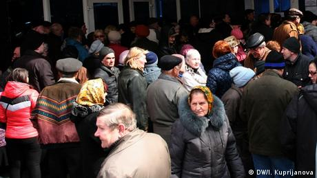 Звіт HRW: Києву закидають дискримінацію пенсіонерів Донбасу