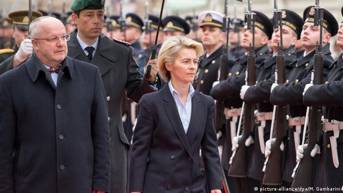 Litauen Ursula von der Leyen und Juozas Olekas in Vilnius