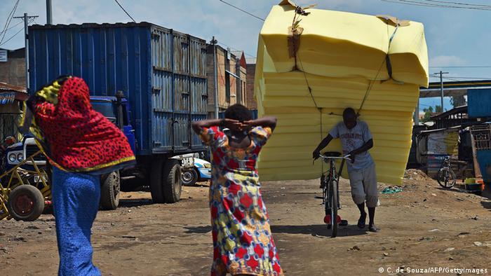 200 jahre fahrrad afrika feiert mit alle multimedialen inhalte der deutschen welle dw 09. Black Bedroom Furniture Sets. Home Design Ideas
