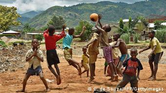 Baadhi ya watoto wakicheza, Burundi