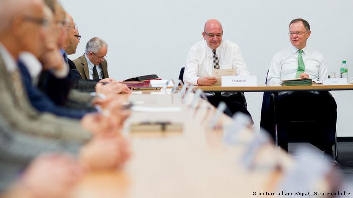 Deutschland Volkswagen Präsidium des Aufsichtsrates Bernd Osterloh und Stephan Weil