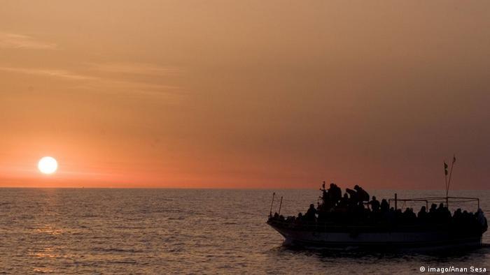 Symbolbild Flüchtlingskatastrophe Mittelmeer