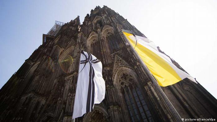 Kölner Dom zum Trauergottestdienst für die Opfer des Germanwings-Absturzes