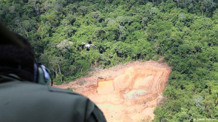 Garimpo ilegal nas terras dos indígenas Kayapó, no Pará, em foto de 2015