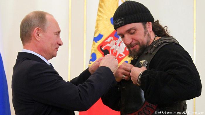Auszeichnung für Saldastanow von Präsident Putin (Foto: AFP/Getty Images/M. Klimentyev)