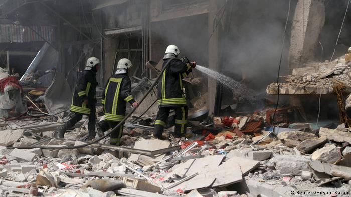 Спасательные работы после применения бочковой бомбы