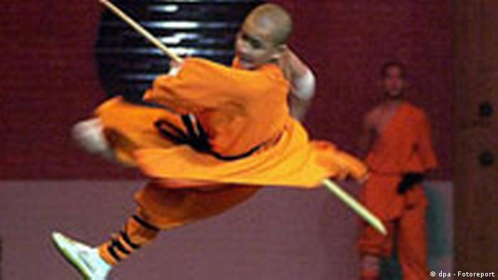 A young Chinese monk from the shaolin monastery Shongsan in the Chinese province of Henan