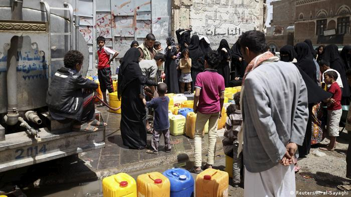 Jemen Krise Versorgung der Zivilisten in Sanaa (Reuters/M. al-Sayaghi)
