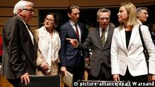 epa04713389 (L-R) German Interior Minister Thomas de Maiziere, Austrian Interior Minister Johanna Mikl-Leitner, Austrian Foreign Minister Sebastian Kurz, German Foreign Minister Frank-Walter Steinmeier and European Union High Representative for Foreign Affairs Federica Mogherini at the start of a joint session of Foreign and Interior Ministers on Migration issues at the EU Headquarters in Luxembourg, 20 April 2015. Top topic was the plight of migrants following the Mediterranean tragedy in which around 900 people were drowned at the weekend. EPA/JULIEN WARNAND +++(c) dpa - Bildfunk+++