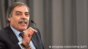 Ali Tarhouni, der Vorsitzender der libyschen Verfassungskommission, 21.01.2015 (Foto: EPA)