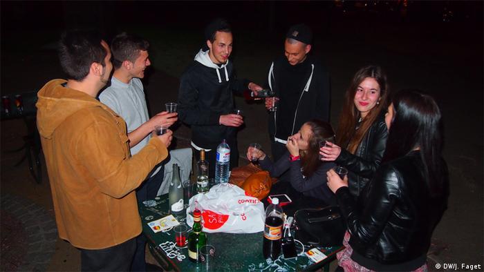 pijani party pušenje