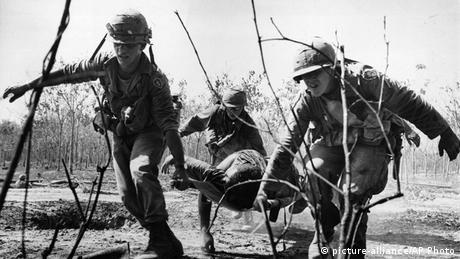 Трамп уник війни у В'єтнамі (на фото)