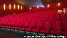 Kino Kinosaal leer Boykott