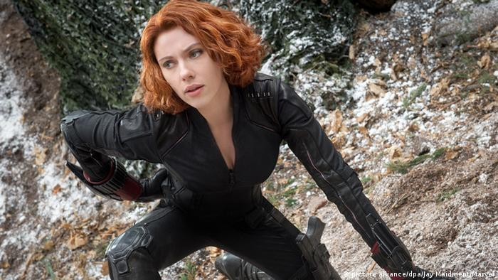 Filmszene aus The Avengers mit Scarlett Johansson als Black Widow (picture alliance/dpa/Jay Maidment/Marvel)