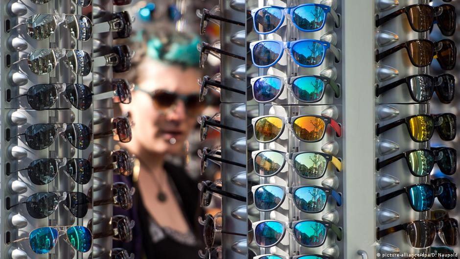 fb15da02d أهم ما عليك مراعاته عند شراء نظارة شمسية | عالم المنوعات | DW | 30.06.2015