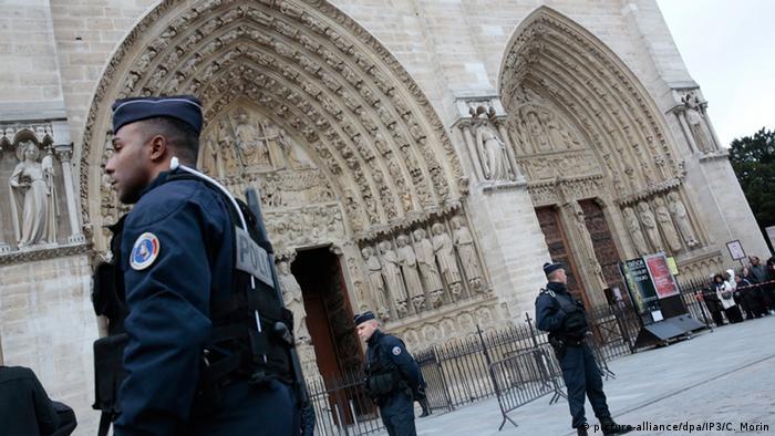 Frankreich Kirche Sicherheitsmaßnahmen Symbolbild