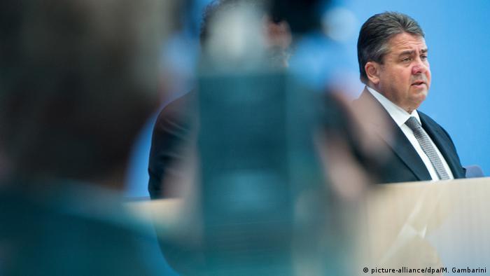 Deutschland Konjunkturprognose 2015 Sigmar Gabriel