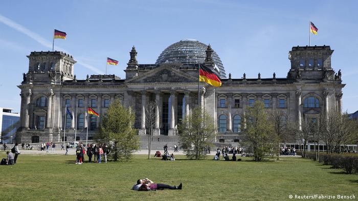 Berlin Reichstag Bundestag Außenansicht
