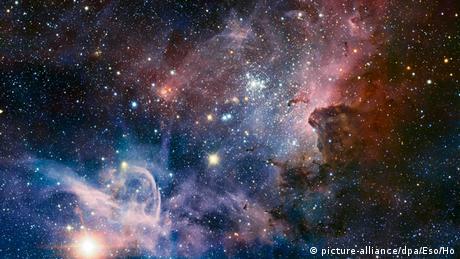 La nebulosa de Carina es uno de los cúmulos abiertos de estrellas más importantes de nuestra galaxia. Sin embargo, los colores de esta impresionante foto no solo son hermosos: también revelan mucho sobre la composición química de los gases.