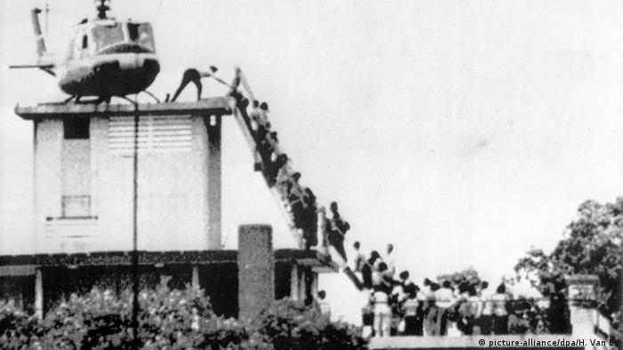 Эвакуация сотрудников посольства США во Вьетнаме, 1975 год