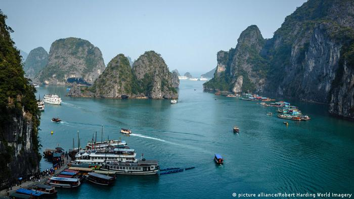 Halong-Bucht in Vietnam (picture alliance/Robert Harding World Imagery)