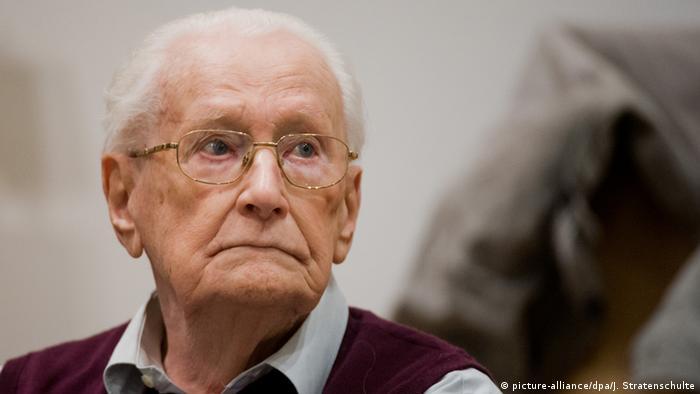 Deutschland Oskar Gröning Prozess in Lüneburg (picture-alliance/dpa/J. Stratenschulte)