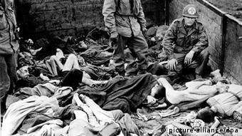 Zweiter Weltkrieg, Befreiung des KZ Dachau (picture-alliance/dpa)