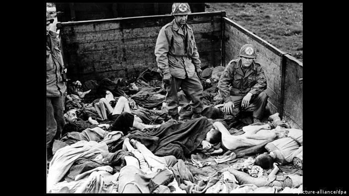 Liberation of Dachau concentration camp (picture-alliance/dpa)