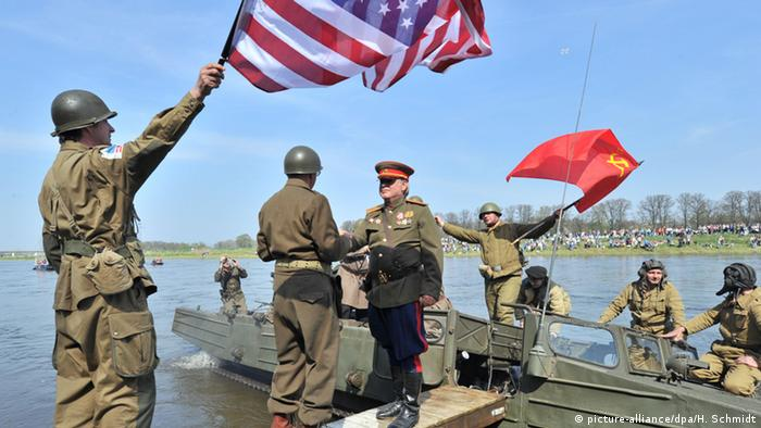 Celebrating Elbe Day in Torgau, Germany (Hendrik Schmidt, dpa)