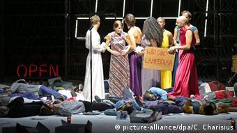 Die Schutzbefohlenen at theThalia Theater in Hamburg