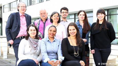Johannes Beck, Sofia Diogo Mateus, António Rocha, Nádia Issufo, Cristina Krippahl, Guilherme Correia da Silva, Karina Gomes, Madalena Sampaio, Maria João Pinto (da esquerda)