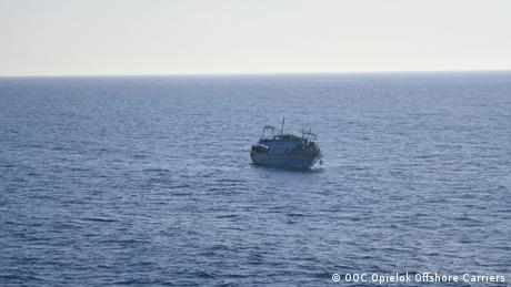 ليبيا : وفاة 13 مهاجرا اختناقا في حاوية شاحنة