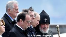 24.04.2015 * Bildunterschrift:(L-R) Serbian President Tomislav Nikolic, French President Francois Hollande, Cypriot President Nicos Anastasiades, Russian President Vladimir Putin and Armenia's Apostolic Church leader, Catholicos Garegin II walk as they leave the Tsitsernakaberd Memorial in Yerevan on April 24, 2015 after a commemoration ceremony for the 100th anniversary of the Armenian genocide. AFP PHOTO / KIRILL KUDRYAVTSEV (Photo credit should read KIRILL KUDRYAVTSEV/AFP/Getty Images)