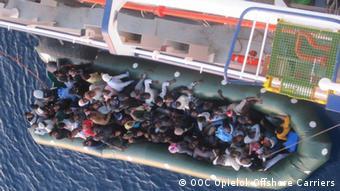 Bildergalerie Rettung von Flüchtlingen durch deutsche Cargo schiffe im Mittelmeer