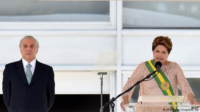 Brasilianische Präsidentin Rousseff mit Vizepräsident Temer (AFP/Getty Images/E. Sa)