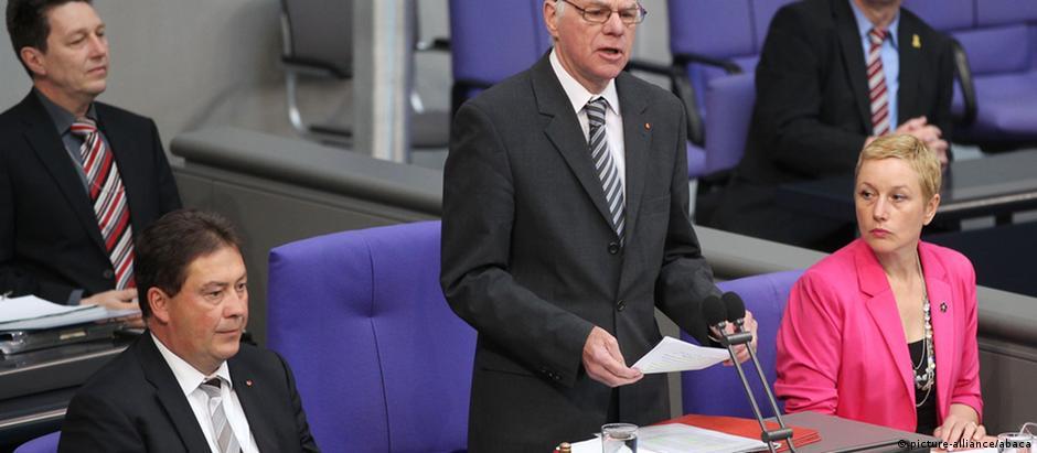 Presidente do Bundestag, Norbert Lammert (c)
