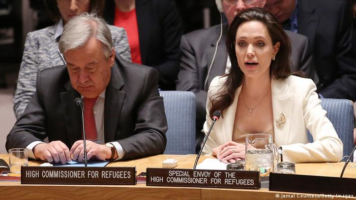 Angelina Jolie spricht im UN-Sicherheitsrat (Foto: Jemal Countess/Getty Images)