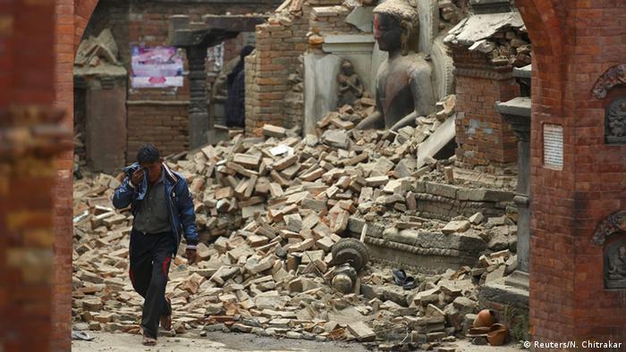 Nepal Schweres Nachbeben nach Erdbeben in Bhaktapur (Reuters/N. Chitrakar)