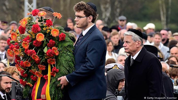 德国纪念贝尔根·贝尔森集中营获解放70周年