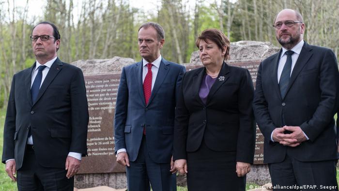 Francois Hollande mit EU-Ratspräsident Donald Tusk, der lettischen Regierungschefin Laimdota Straujuma und EU-Parlamentspräsident Martin Schulz (Foto: dpa)