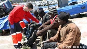 Spanien Enklave Flüchtlinge werden von versorgt