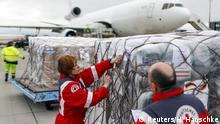 Deutschland Hilfslieferung Rotes Kreuz für die Erdbebenopfer in Nepal