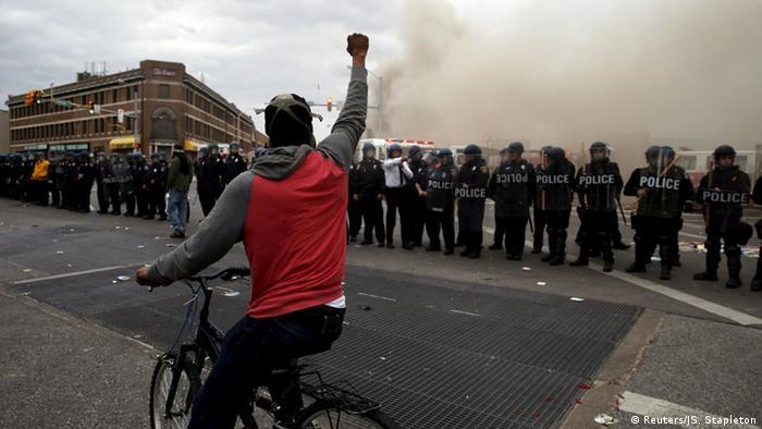 Протесты в Балтиморе после похорон Фредди Грея