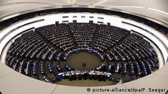 Europaparlament Abstimmung Notrufsystem eCall in Autos