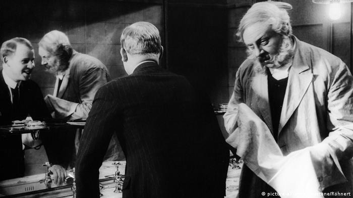 Filmszene Der letzte Mann - Regie Friedrich Wilhelm Murnau