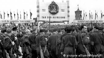 Το τέλος του Β' Παγκοσμίου Πολέμου γιορταζόταν επίσημα ως ημέρα απελευθέρωσης στη Λαοκρατική Δημοκρατία της Γερμανίας