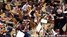 Berliner Philharmoniker mit Dirigent Simon Rattle