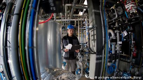 Deutschland Dresden Pilotanlage für Ökokraftstoff